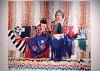 Pregledavanje izložbe Rad: materinstvo i umetnost u 2020, video projekcija